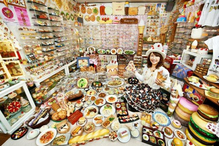 Mayor colección de comida plástica | GUINNESS WORLD RECORDS | AFP