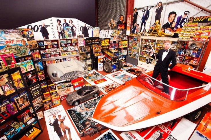 Mayor colección de artículos de James Bond | GUINNESS WORLD RECORDS | AFP