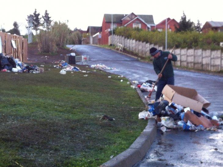 Acumulación de basura tras las ramadas en la UCSC | Pedro Cid (RBB)