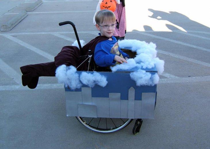 Caleb de 4 años vestido de Superman | Cassie McLelland