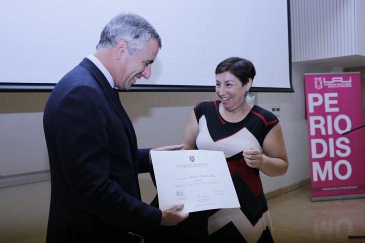 Camila Lucero (C)