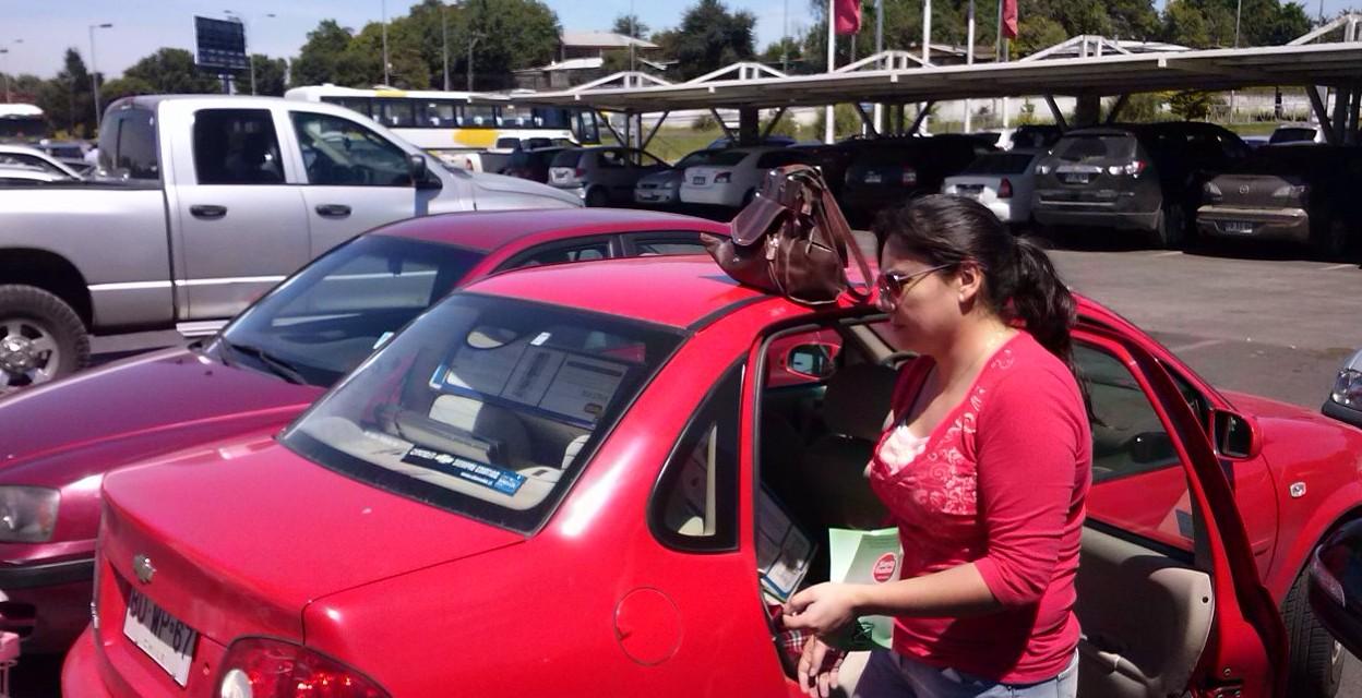 9b51474ee Carabineros de Temuco lanzan campaña para evitar robos a vehículos en  estacionamientos