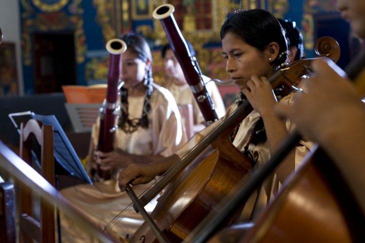 Música- Consulado boliviano