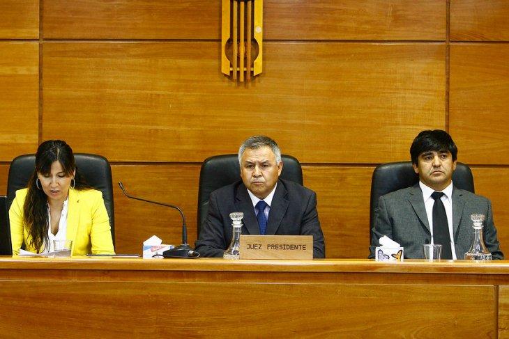Los jueces Claudia Mora (izq), Víctor Rojas Oyarce (centro) y Mauricio Leyton Salas (der) | Juan Gonzalo Guerrero | Agencia UNO