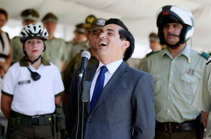 El ministro Peñailillo sabe reír | Rodrigo Sáenz | Agencia UNO
