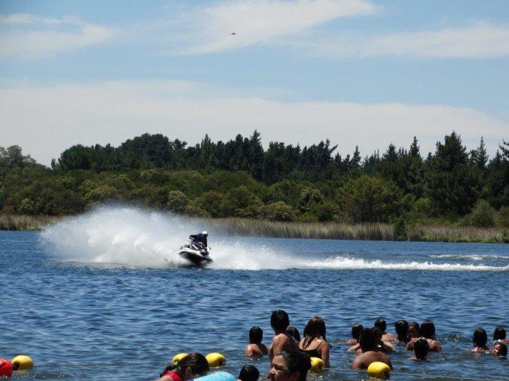 El hecho obligó a suspender una competencia de motos de agua | Guillermo Escares (RBB)