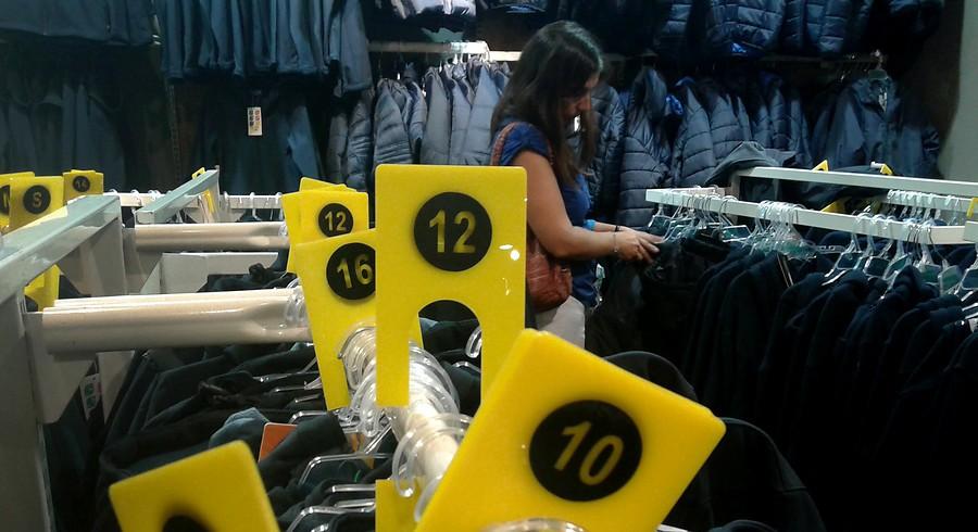 a64b11c8d0 Sernac revela dónde venden los uniformes escolares más baratos en la capital