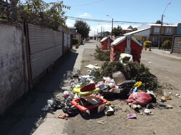 Microbasural en calle de Hualpén | Antonio González