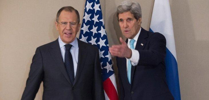Serguei Lavrov y John Kerry | Evan Vucci | POOL | AFP