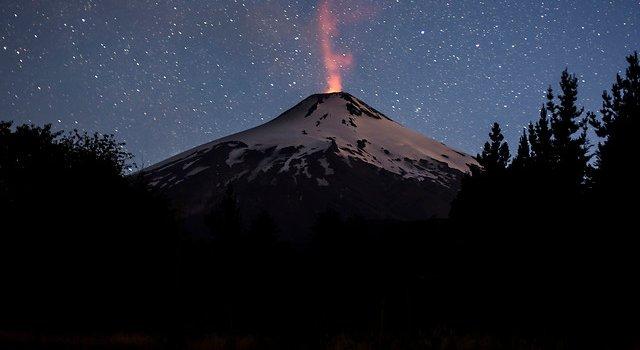 Chile: Urgente, erupción del Volcán Villarrica A_UNO_487103_db72b-640x350
