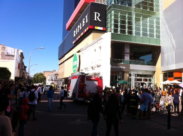 Emergencia en Mall del Centro | Carlos Vega | BBCL