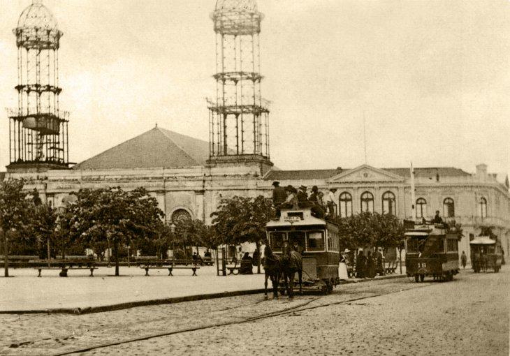 Carro a sangre en Plaza de la Independencia | Archivo Histórico de Concepción