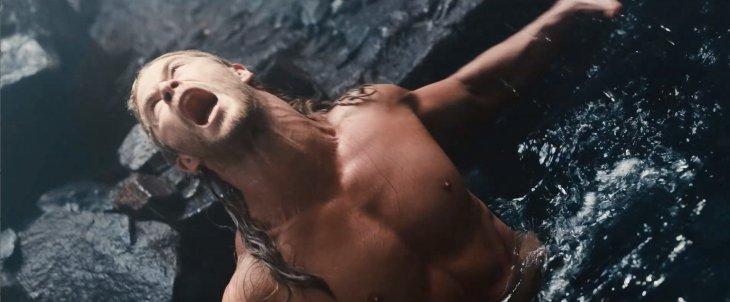 Thor en la cueva donde tiene las visiones | Marvel