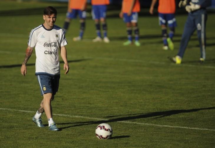 Messi entrenando en La Serena |AFP
