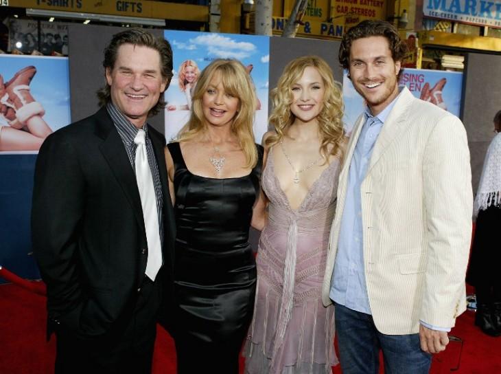 Kurt Russell, Goldie Hawn, Kate Hudson y  Oliver Hudson | AFP