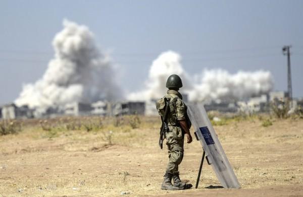 Bombardeo contra Estado Islámico cerca de la frontera sur | AFP
