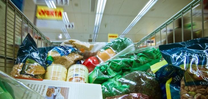 Hábitos que pueden ayudarnos a hacer rendir el presupuesto en el supermercado