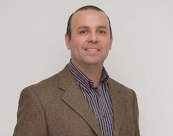 Leonardo Saenz, académico responsable de la vacuna | U. de Chile