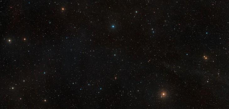 Vista a la zona en que se ubica la estrella AU Microscopii | ESO