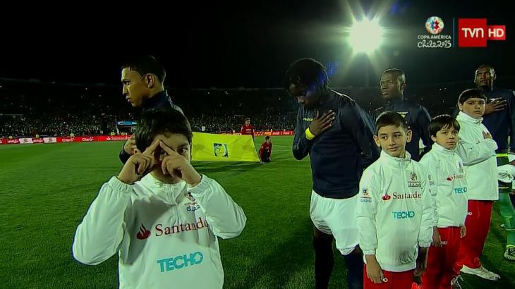 El 'niño illiminati' de la Copa América | @Televisivamente / TVN