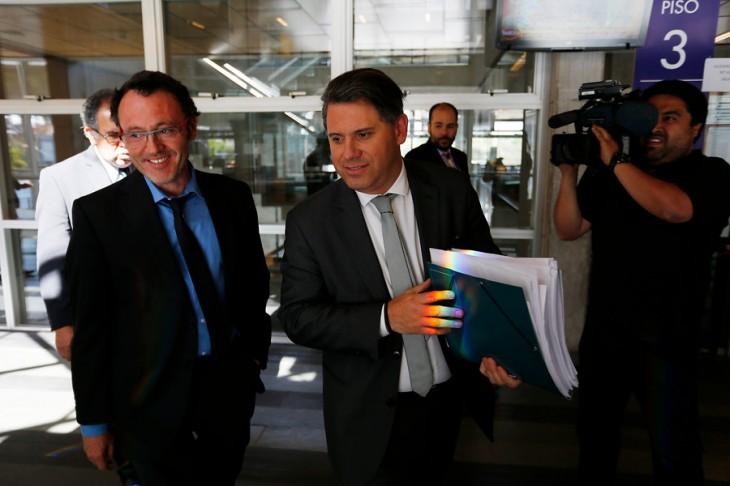 Fiscal Ricardo Peña (derecha) y abogado Luis Correa (izquierda) | Agencia Uno