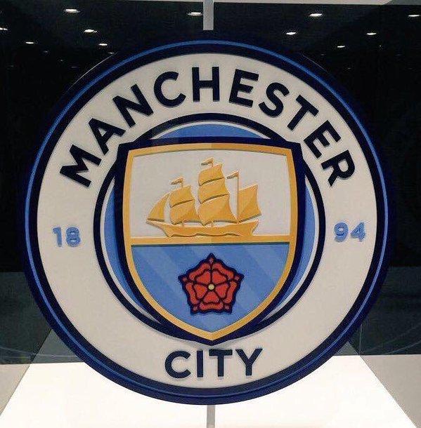 Nuevo escudo del City | @braadyoneill