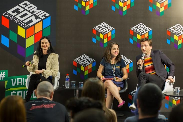 Krysten Ritter (Jessica Jones) y David Tennant (Kilgrave) en la conferencia de prensa en Comic Con Experience 2015 | Netflix