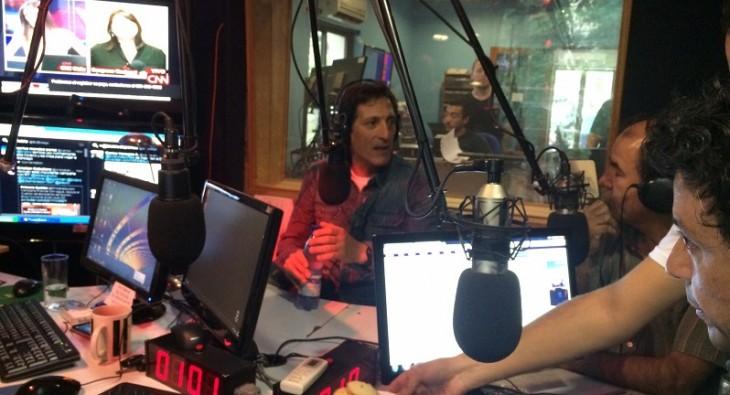 Mario Salas en los estudios de Radio Bío Bío