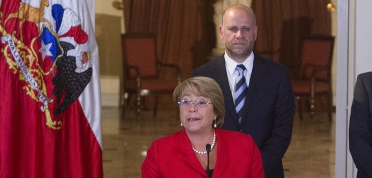 Álvaro Elizalde y Michelle Bachelet / David Cortés | Agencia Uno