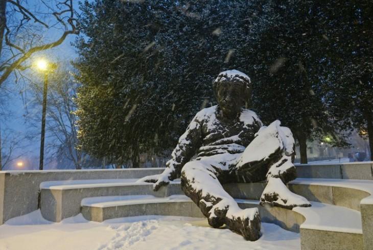 Memorial de Albert Einstein cubierto de nieve | Mandel Ngan | AFP