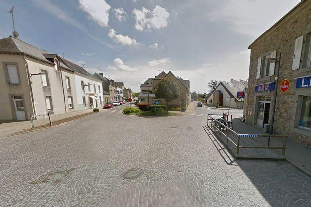 Saint Pierre La Cour | Street View