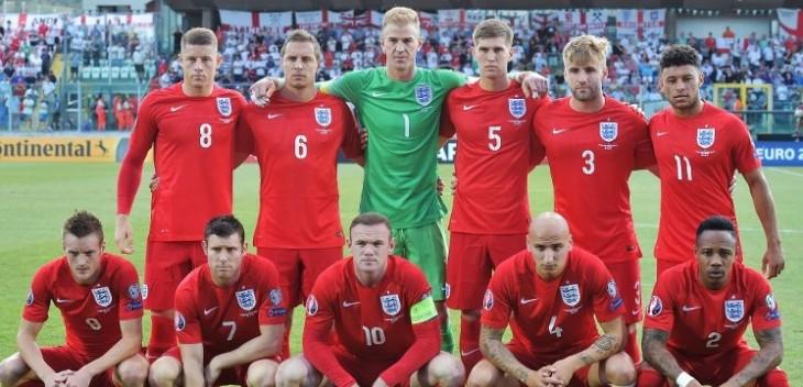 Vardy y Rooney por Inglaterra / Vincenzo Pinto / AFP