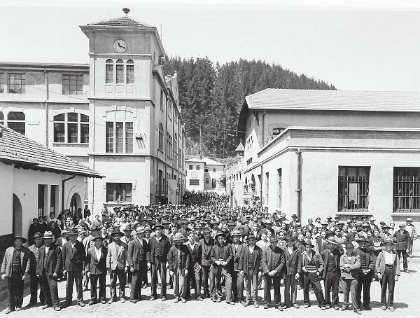 Trabajadores de Bellavista Tomé, septiembre de 1935 |  Fotografía Estudio Hartmann de Santiago