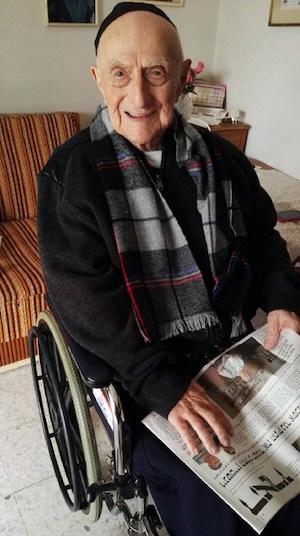 Yisrael Kristal, en su casa en Haifa (Israel) | AFP