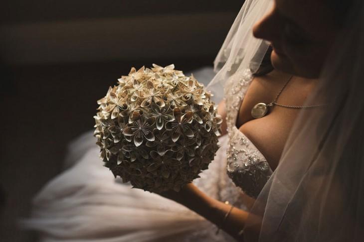 Uno de los detalles más llamativos fue el ramo de la novia.
