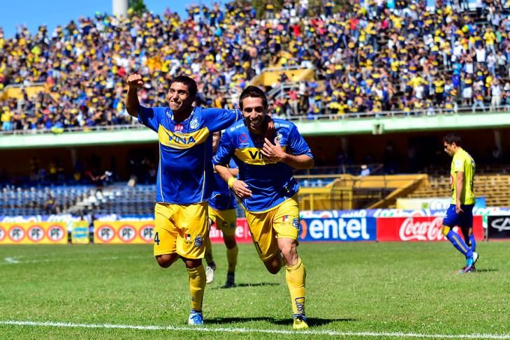 Ribéry Muñoz celebra uno de sus goles / SAMY AKIKI/ AGENCIA UNO