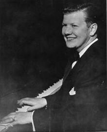 Billy Tipton en el piano, Wikipedia
