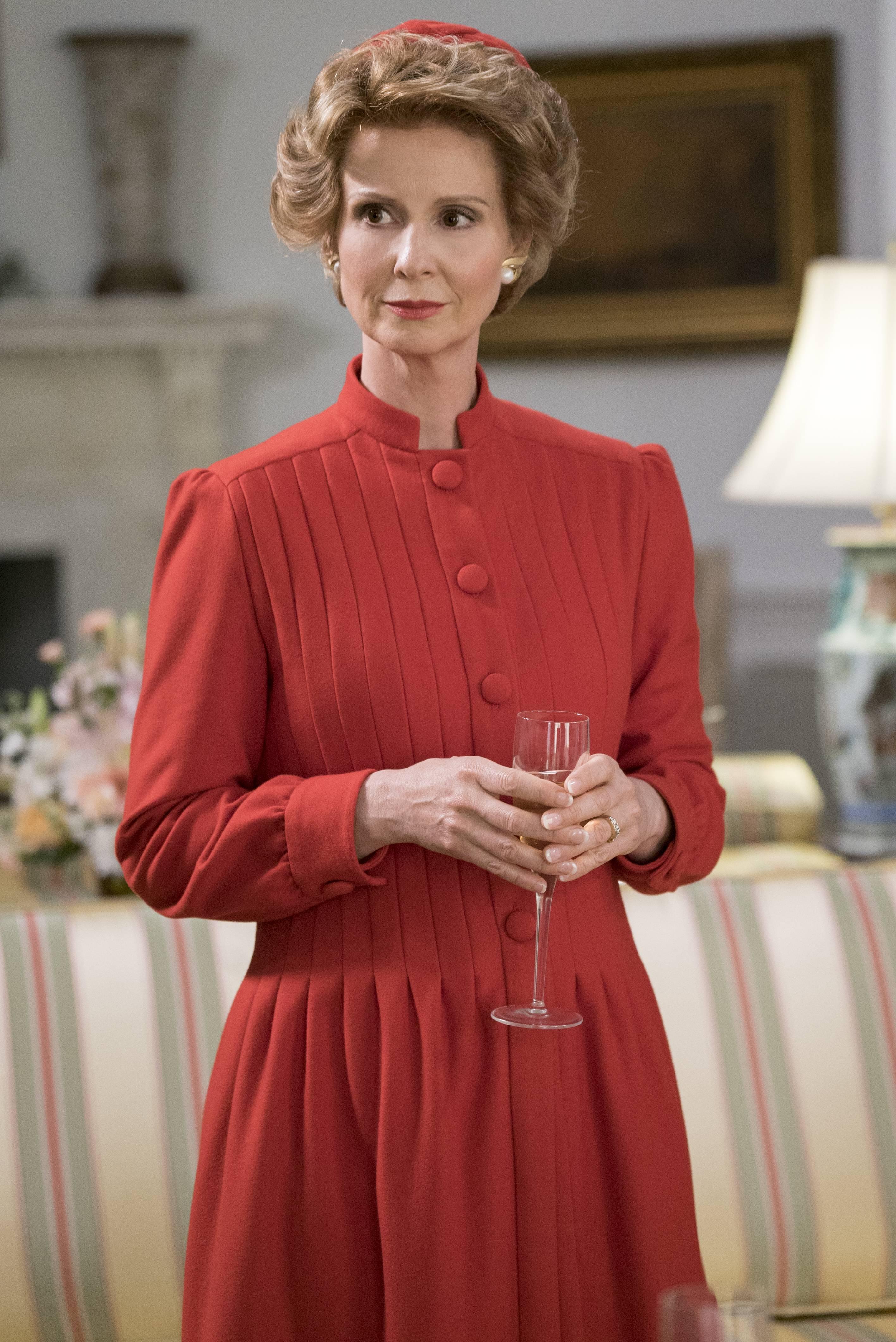 Cynthia Nixon como Nancy Reagan   Nat Geo