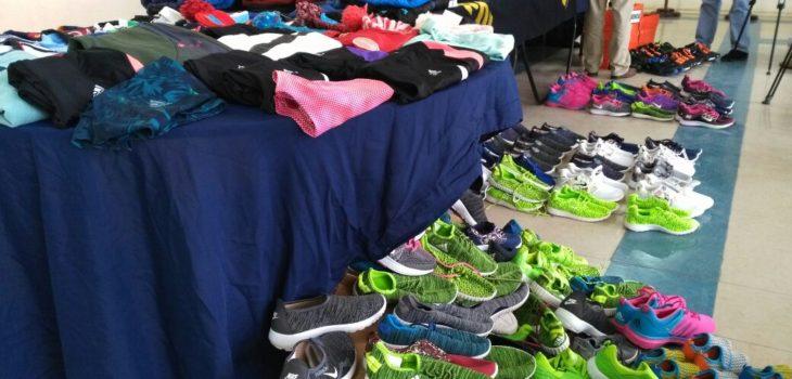PDI realiza millonaria incautación de ropa deportiva falsificada en Estación  Central  d0be5607a628b
