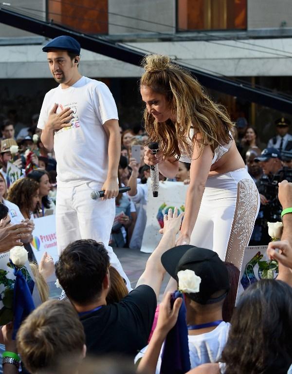 Jennifer Lopez y Lin-Manuel Miranda | AFP