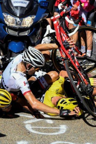 BERNARD PAPON / POOL / AFP