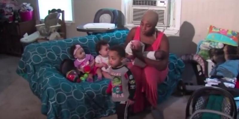 Danesha Couch y sus bebés / YouTube