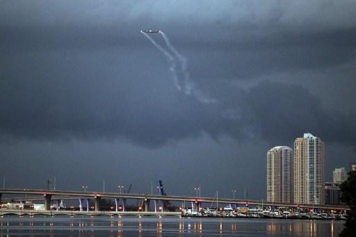Fumigación aérea en Miami | Joe Raedle | Agencia AFP
