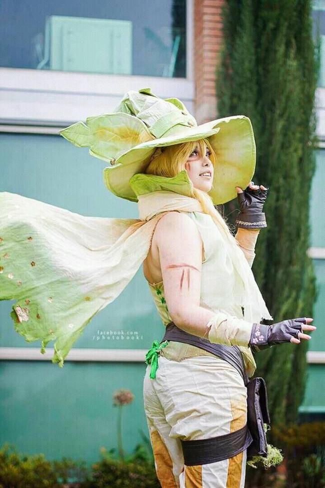 Elisa Mahnke l Cosplay de Leafeon (Cuarta generación de Pokémon)