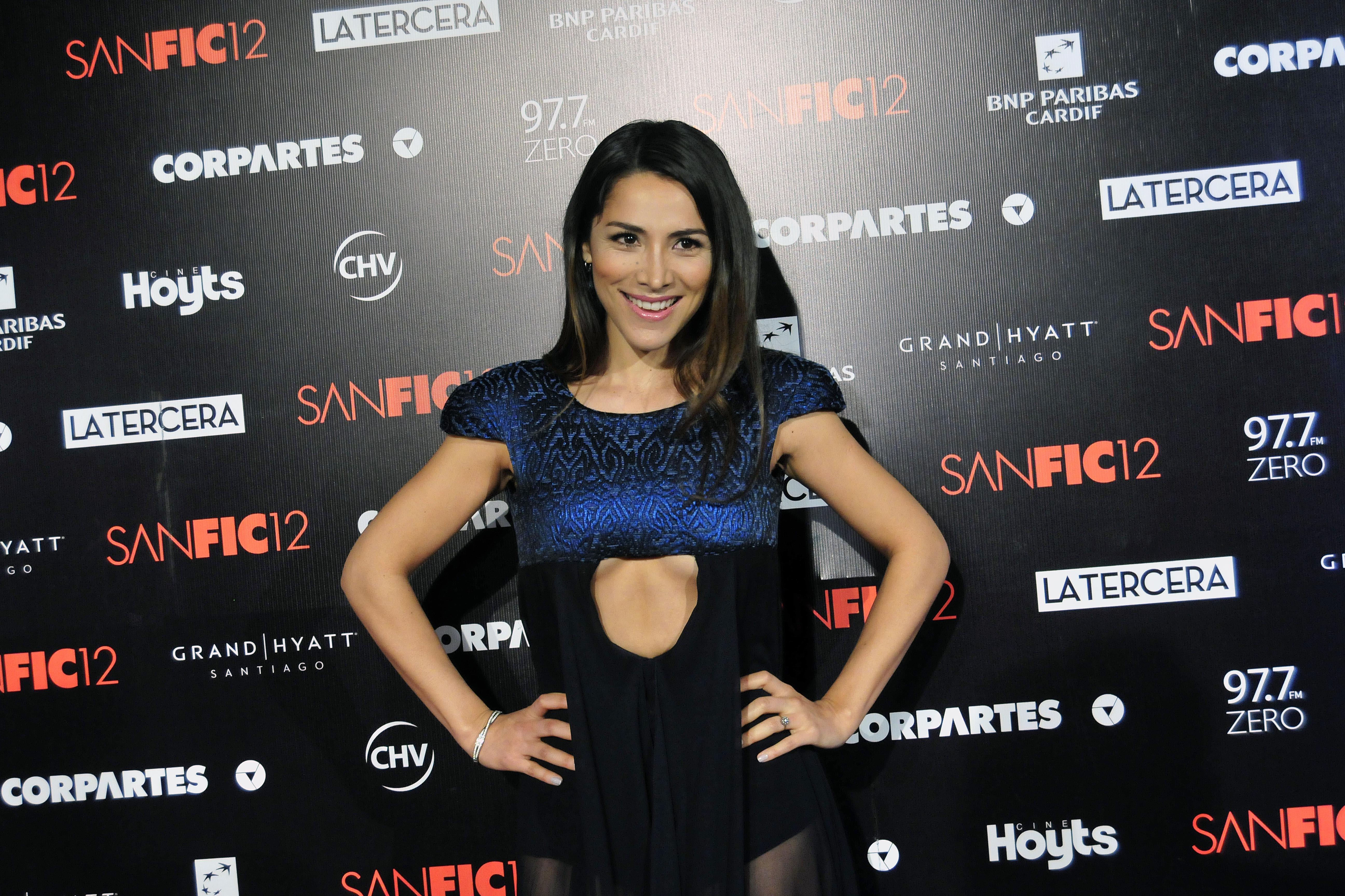 Loreto Aravena se robó las miradas con osado vestido