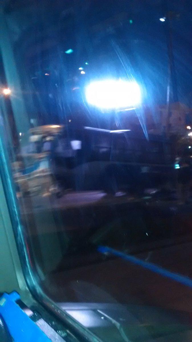 Taxibús protagoniza accidente en rotonda Paicaví de Concepción