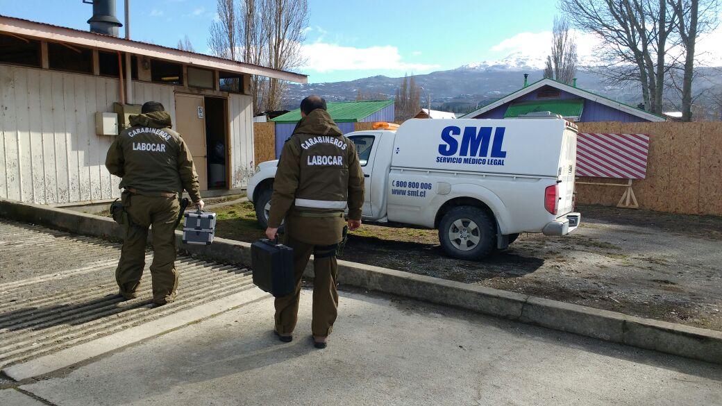 Carabineros y lugareños buscan a mujer desaparecida en Caleta Tortel.