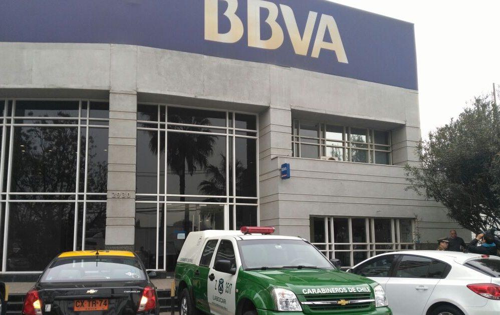 Carabineros investiga millonario robo a banco BBVA