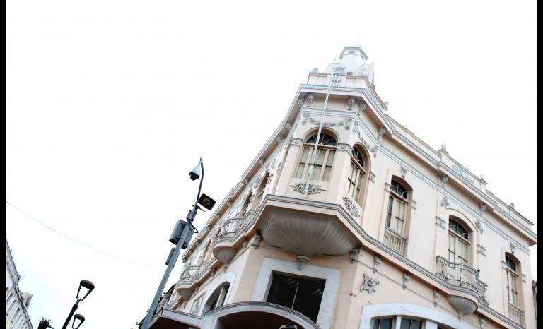 Cámaras con alto parlantes son instaladas en La Serena.
