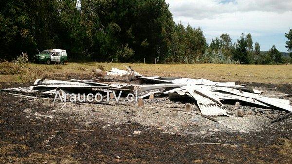 Incendio destruyó cabaña en Tirúa